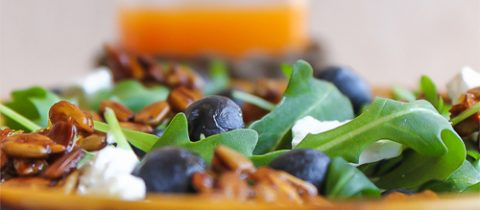 Arugula & blueberries salad with caramelized sunflower seeds